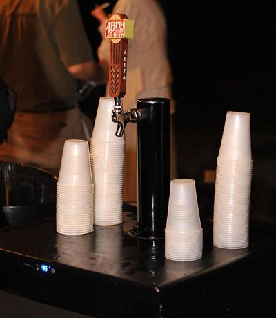 Self serve beer keg & plastic cups - help yourself!